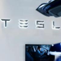 特斯拉或收购传统汽车制造商戴姆勒可能性最大