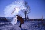 极冷或极热天气对男性死亡率的影响高于女性