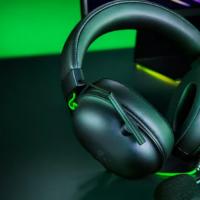 Razer售价99美元的BlackShark V2有线游戏耳机具有THX空间音频